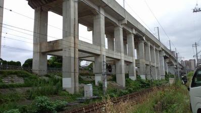 東北新幹線高架橋脚C
