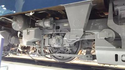 32-EF66反対側台車廻り1面3
