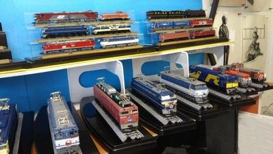 HOゲージ飾り棚上車両ケースなし機関車2