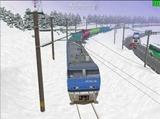 北の貨物駅通過中EF200-1