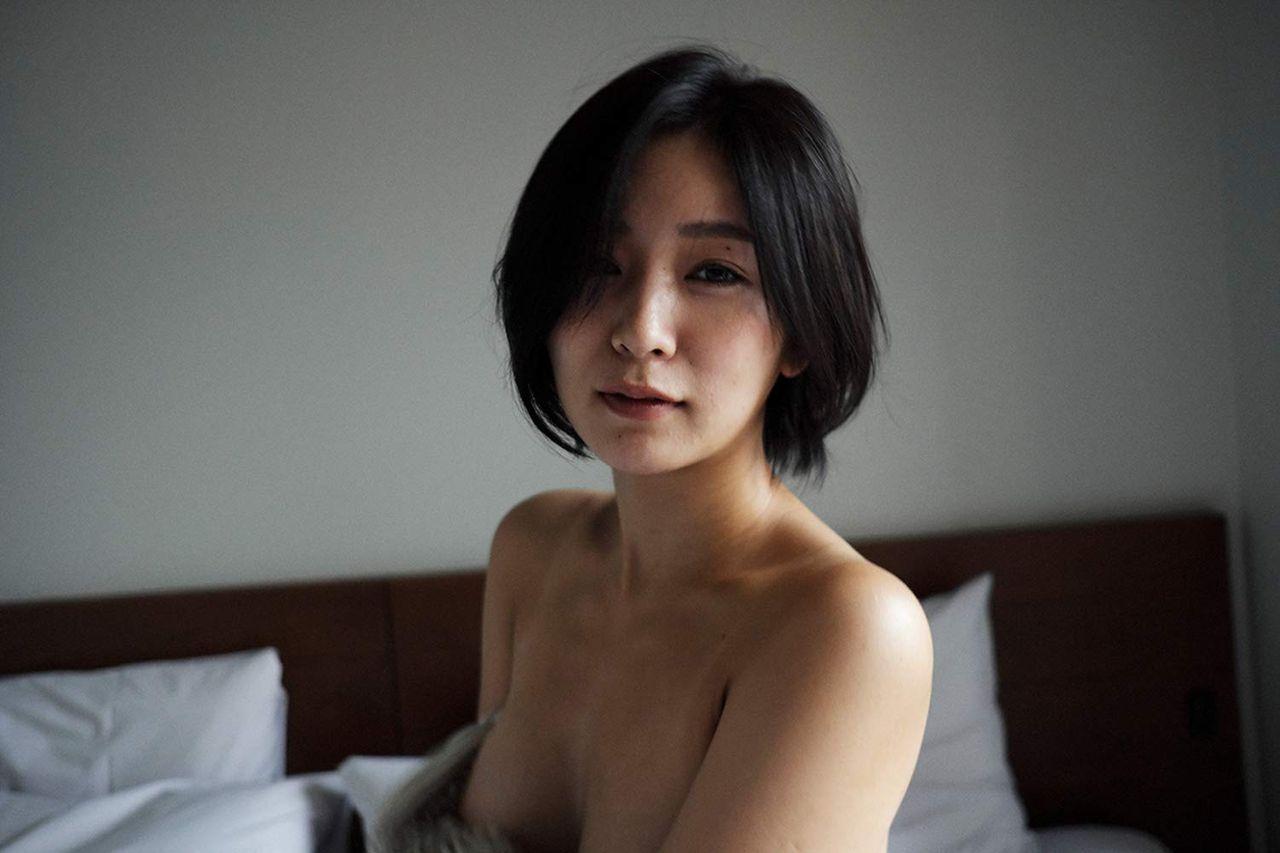 階戸瑠李写真集 BUTTERのサンプル画像