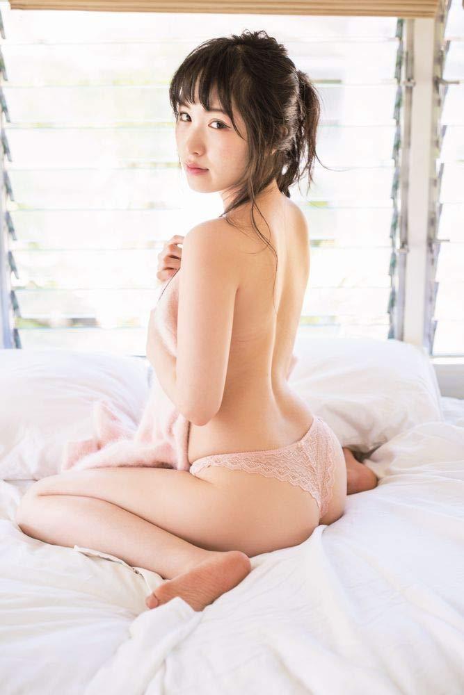 小田桐奈々 写真集 『 ナナイロ 』のサンプル画像