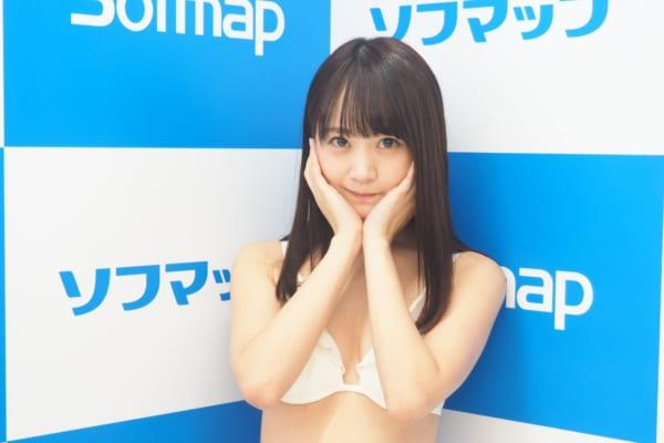 浜田翔子(32)が通算57枚目のDVD発売を記念してソフマップ。こんな可愛くてナイスバディな子が売れないとか世の中おかしいだろ [738130642]