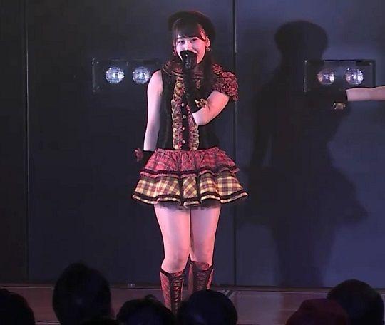 AKB48小嶋真子ちゃんの太ももがむっちりしててエロすぎると話題!