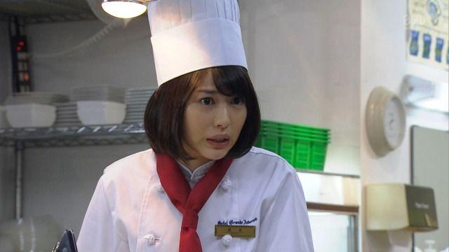 戸田恵梨香・浜辺美波 「崖っぷちホテル(新) 第1話」