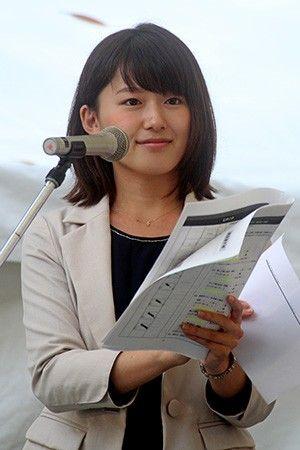 尾崎里紗アナ、休日は家に引きこもって漫画(月に5,6万円分購入)&一人ディズニーランド満喫