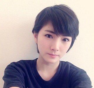 ショートカットになったAKB48岡田奈々ちゃんがマジで可愛いすぎると話題!