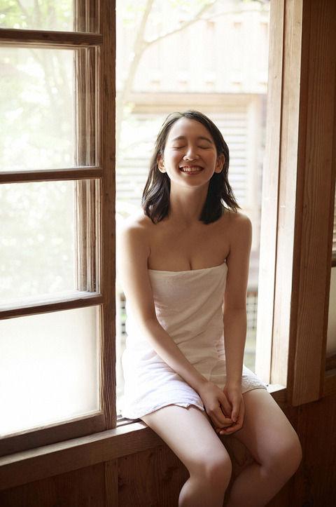 吉岡里帆の可愛い顔して凄いエッチな体に絶頂寸前画像 103枚