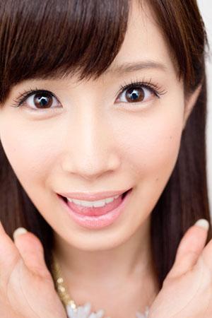 アニメ声で獣のようなあえぎ!と人気のアダルト女優・小島みなみが変身する瞬間とは