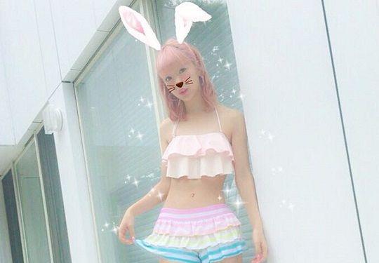 藤田ニコルちゃんの水着姿が可愛すぎると話題!細すぎるウエストに女子からは羨望の眼差し!