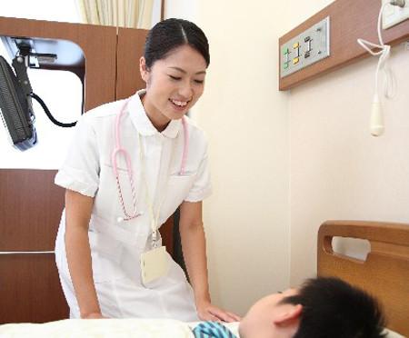 【エンタメ画像】《悲報》白衣メーカーが透けない看護師服を開発
