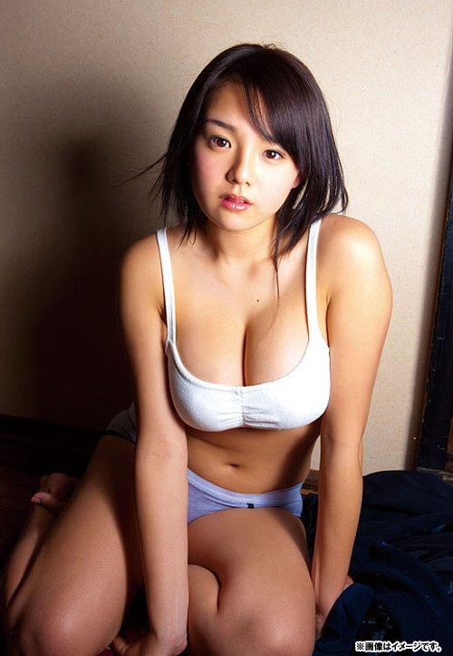 篠崎愛 巨乳 エロ ロリ