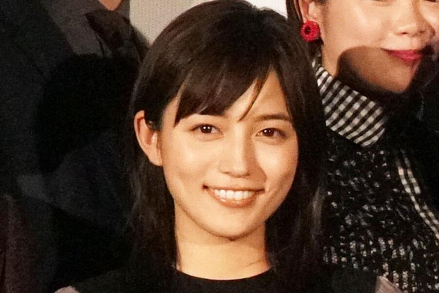 【反響】川口春奈さん アルマーニのブラックコーデ公開で反響