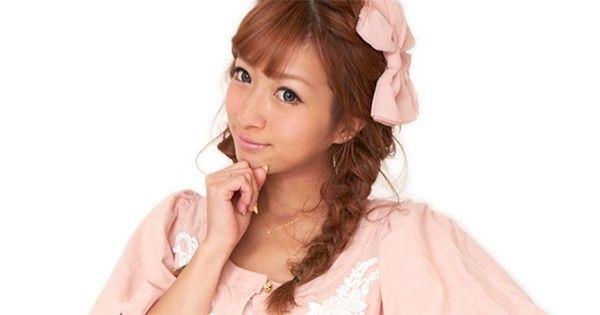 【悲報】元モーニング娘。辻希美、吉澤ひとみとの写真に「自分だけ小顔に加工疑惑」でネット上が騒然