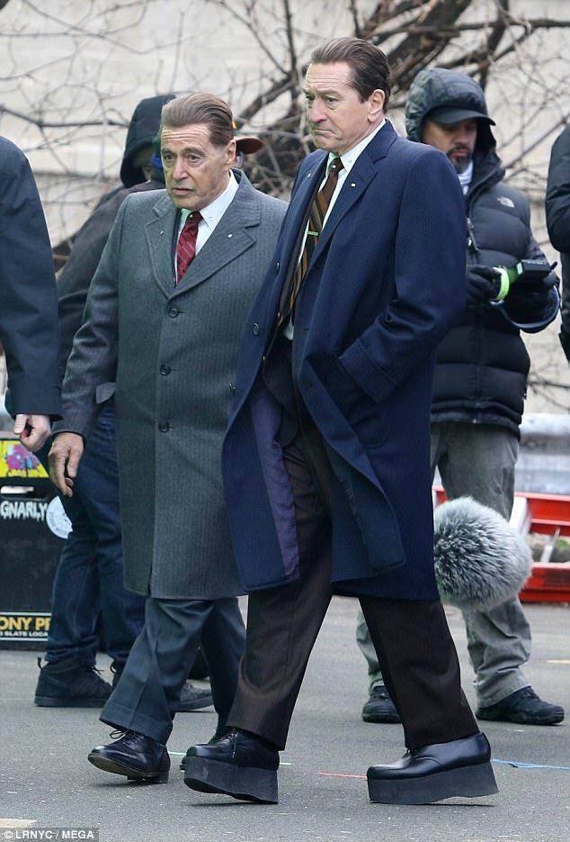 【悲報】アル・パチーノさん(自称170cm)、とんでもない靴を履いてしまう