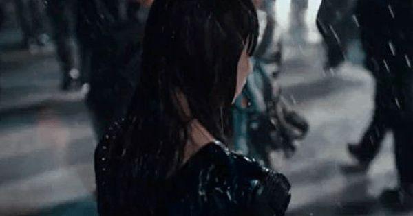 雨の中傘もささずに歩く女の子・・みかねて声をかけると帰る家がないという・・・
