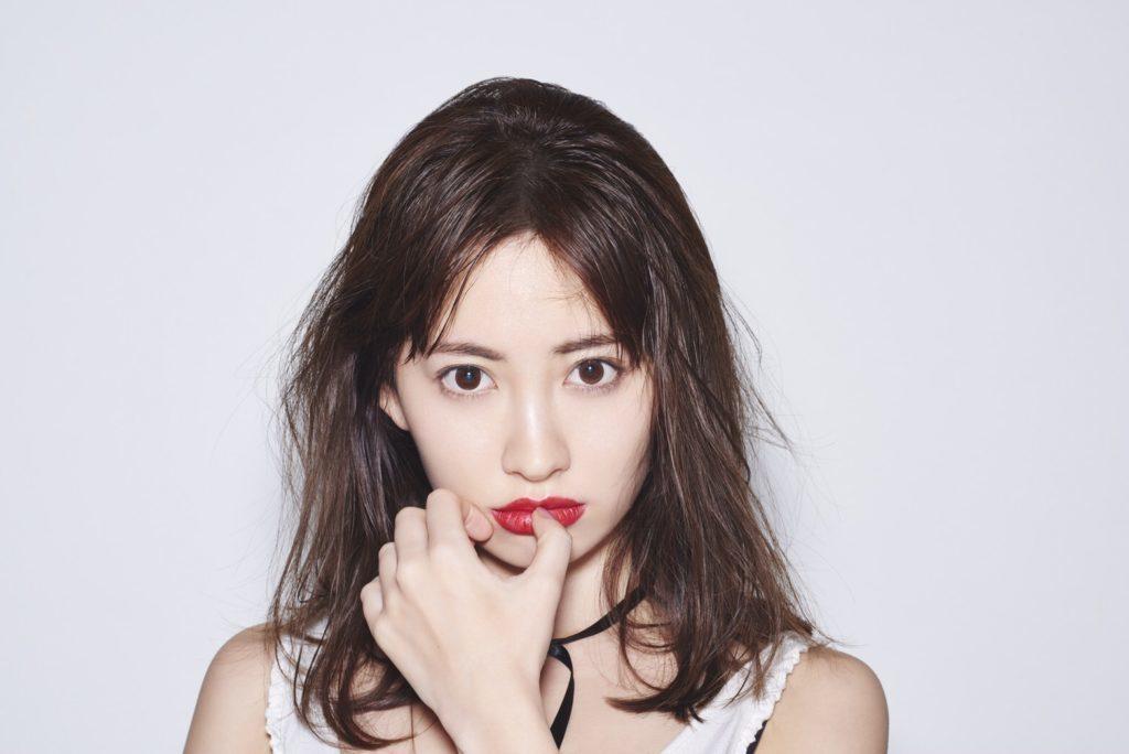 【画像】小嶋陽菜さんが30歳なのに美しすぎる件!!