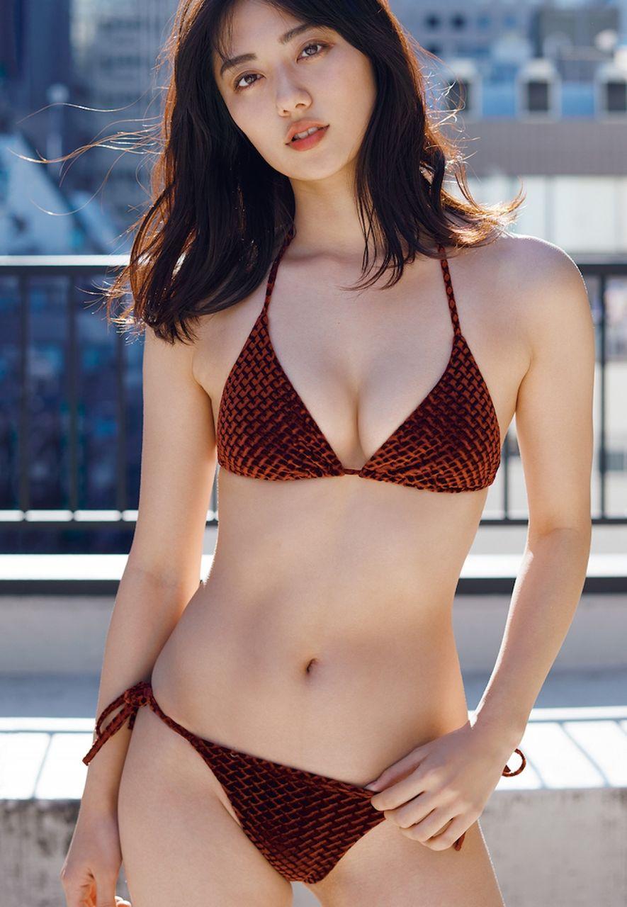 【女優】奥山かずさ、最も豊満&癒し系ボディに美バストちらり