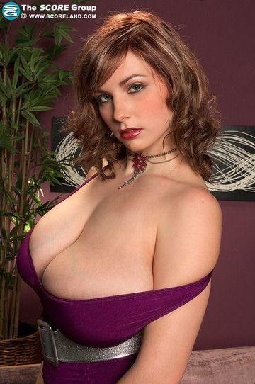 海外の爆乳女の画像www