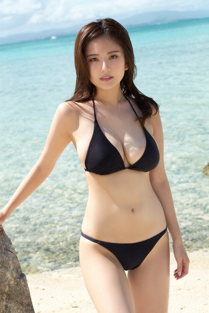 【アーティスト】西川貴教、美人嫁の「Gカップ」お〇ぱいが凄い!
