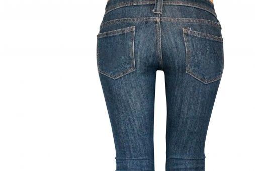【画像あり】ムッチムチでパッツパツのスキニージーンズ履いてる女wwwwwwww