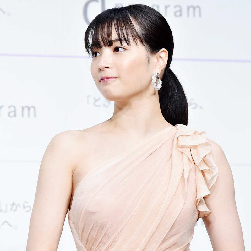 【女優】広瀬すず、お〇ぱいがパンパンになる.....w