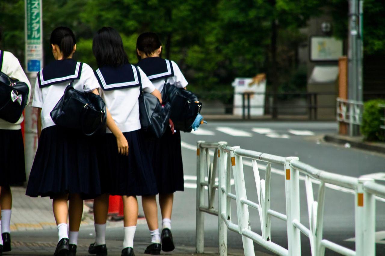 最近の女子中 学生は下品すぎだろ・・・・・
