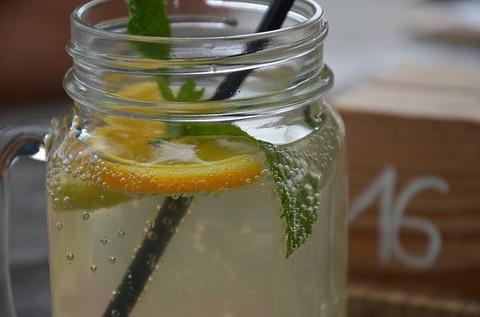 lemonade-1785472_640
