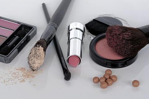 cosmetics-1367781_640