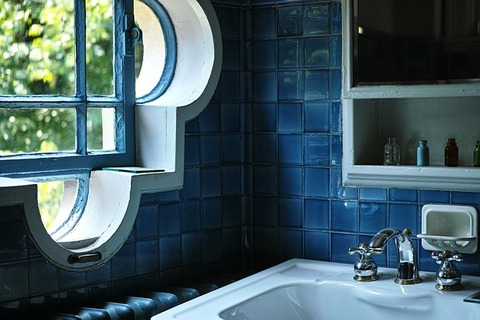 washroom-1758449_640