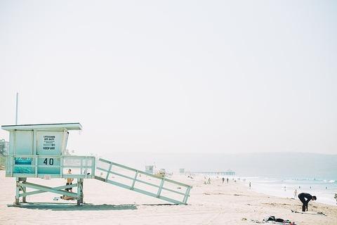 lifeguard-1209187_640