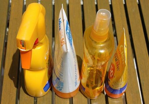 sunscreen-1461335_640