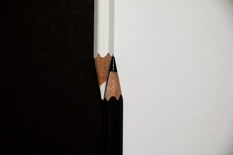 colour-pencils-911358_640