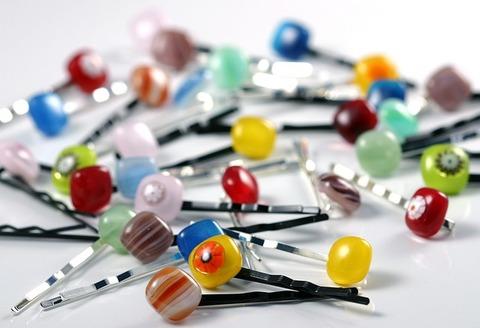hairpins-262378_640