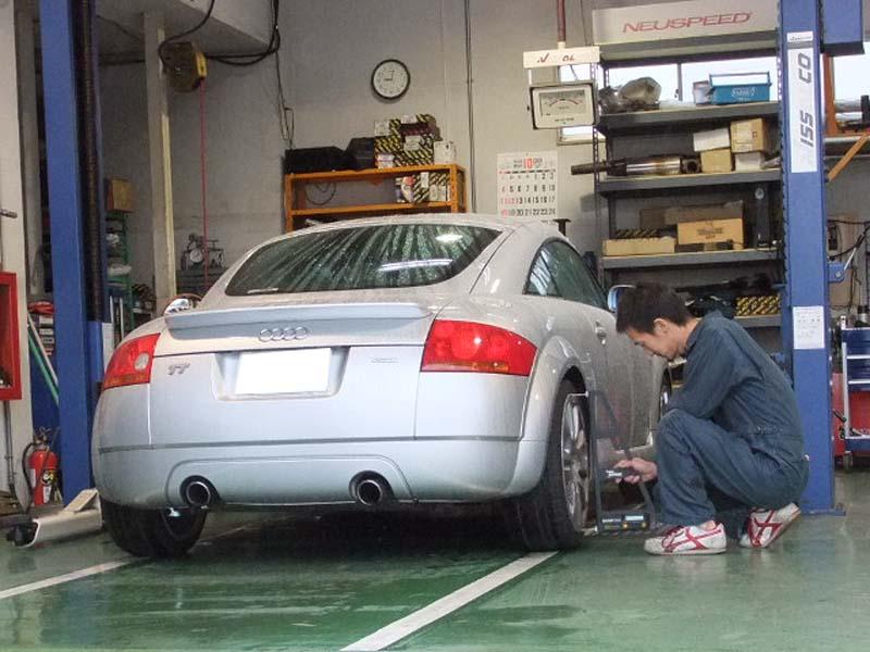 イシカワエンジニアリング スタッフブログ当社は米国NEUSPEEDの日本輸入元を務めるVW、AUDI専門のプロショップです。エンジンパーツ、サスペンション、マフラー、コンピューターチューニング、ブレーキパーツ、ボディパーツの販売・取り付けや一般メンテナンス、車検等が主な業務です。ブログではスタッフが私たちの日常を紹介します。