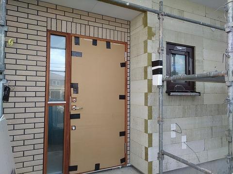 玄関部分タイル張り2