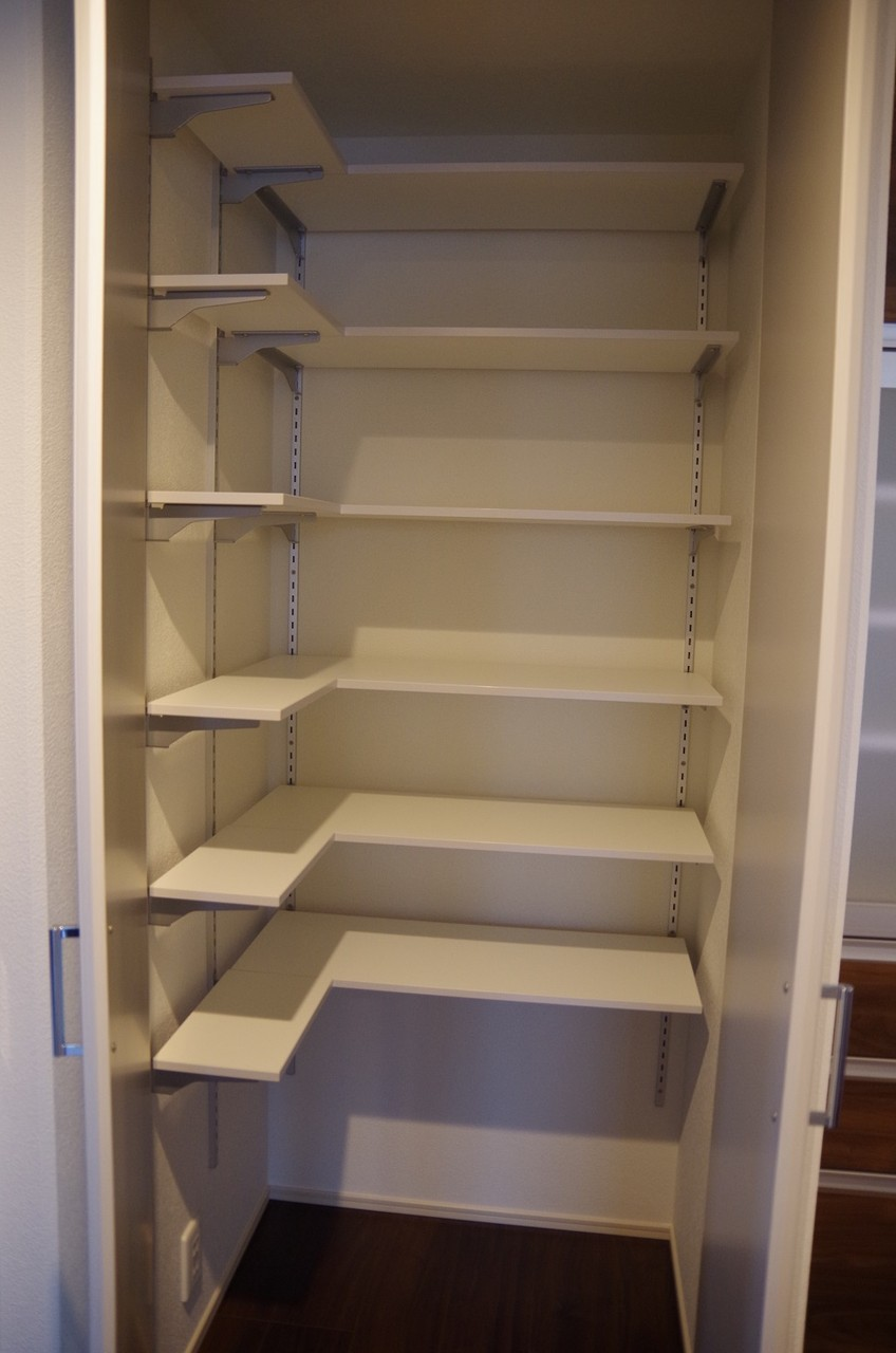 2階キッチンパントリー3