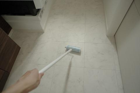201807_洗面室床掃除7