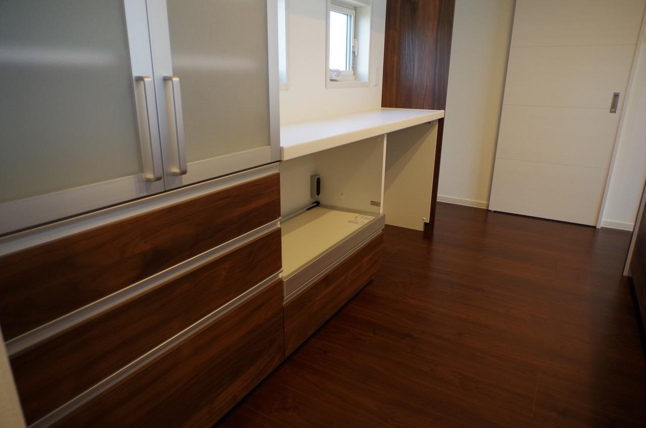 2階キッチンカップボード5