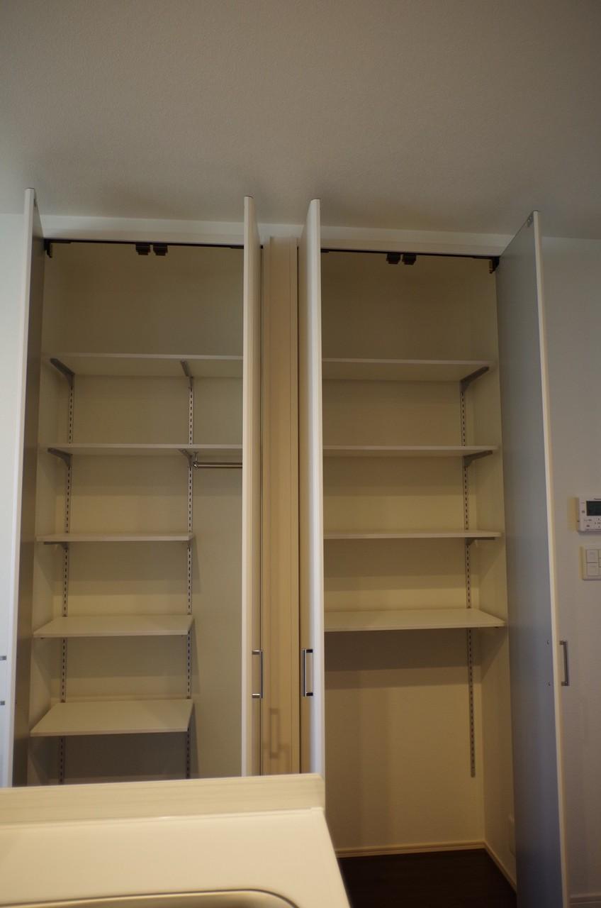 1階キッチン収納2