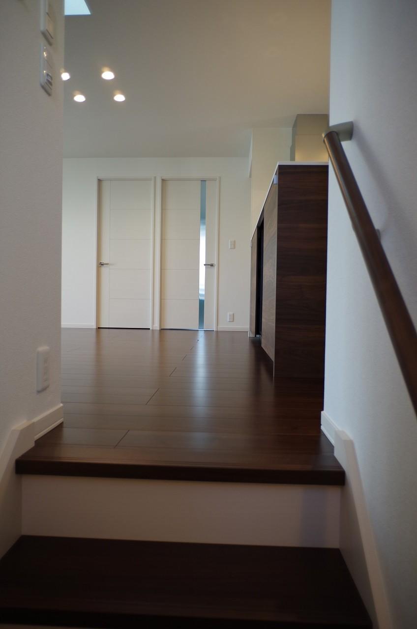 階段から2階へ2