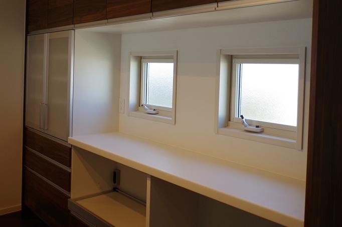 2階キッチンカップボード4
