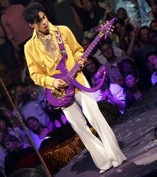 Prince-Musicology-Tour-prince-15128856-399-450