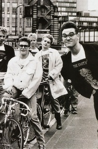 68591e415a9729cc1bbcbc83abaf3c3f--the-smiths-bands