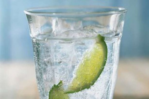 sparkling-water-glass