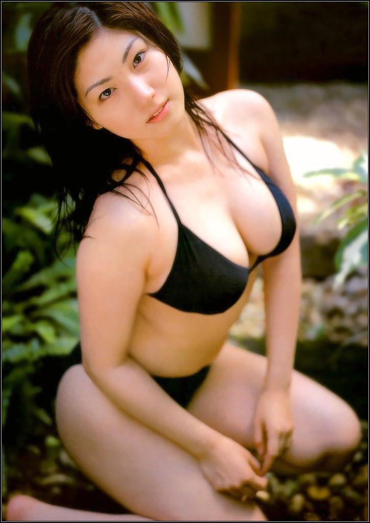 大沢舞子さんの水着
