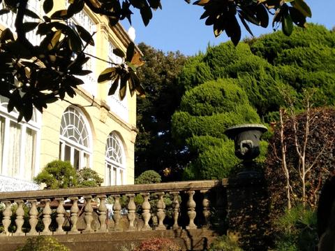 鳩山会館建物