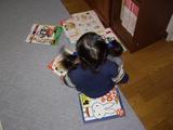 本を散らかす娘2