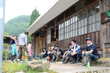 田植え体験会の写真4