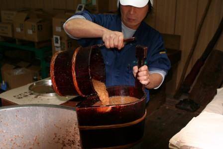 梨酒の搾り作業3